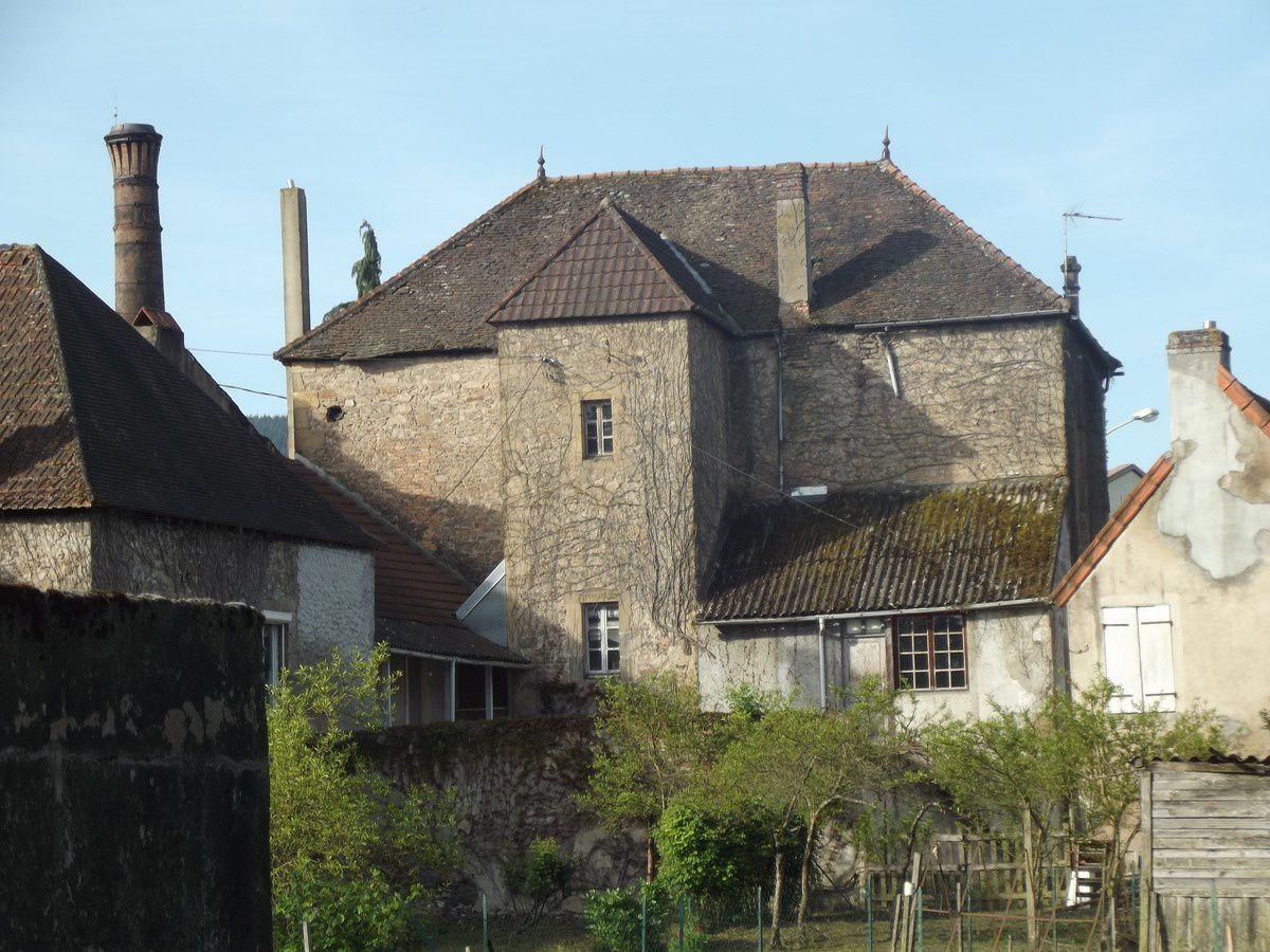 Quartier Saint-Andoche : La promenade Albert Montmerot 71400 Autun ¤¤¤ Quartier Saint-Andoche ¤¤¤