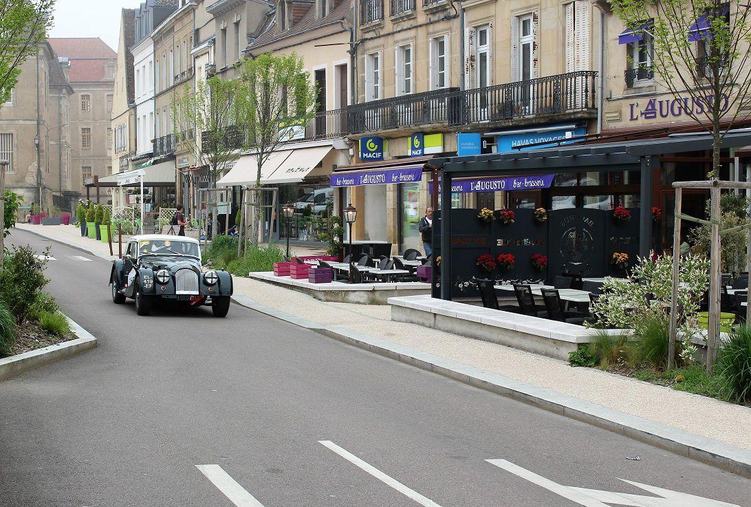 Place du Champ de Mars - 71400 Autun ¤¤¤ Quartier centre ville ¤¤¤