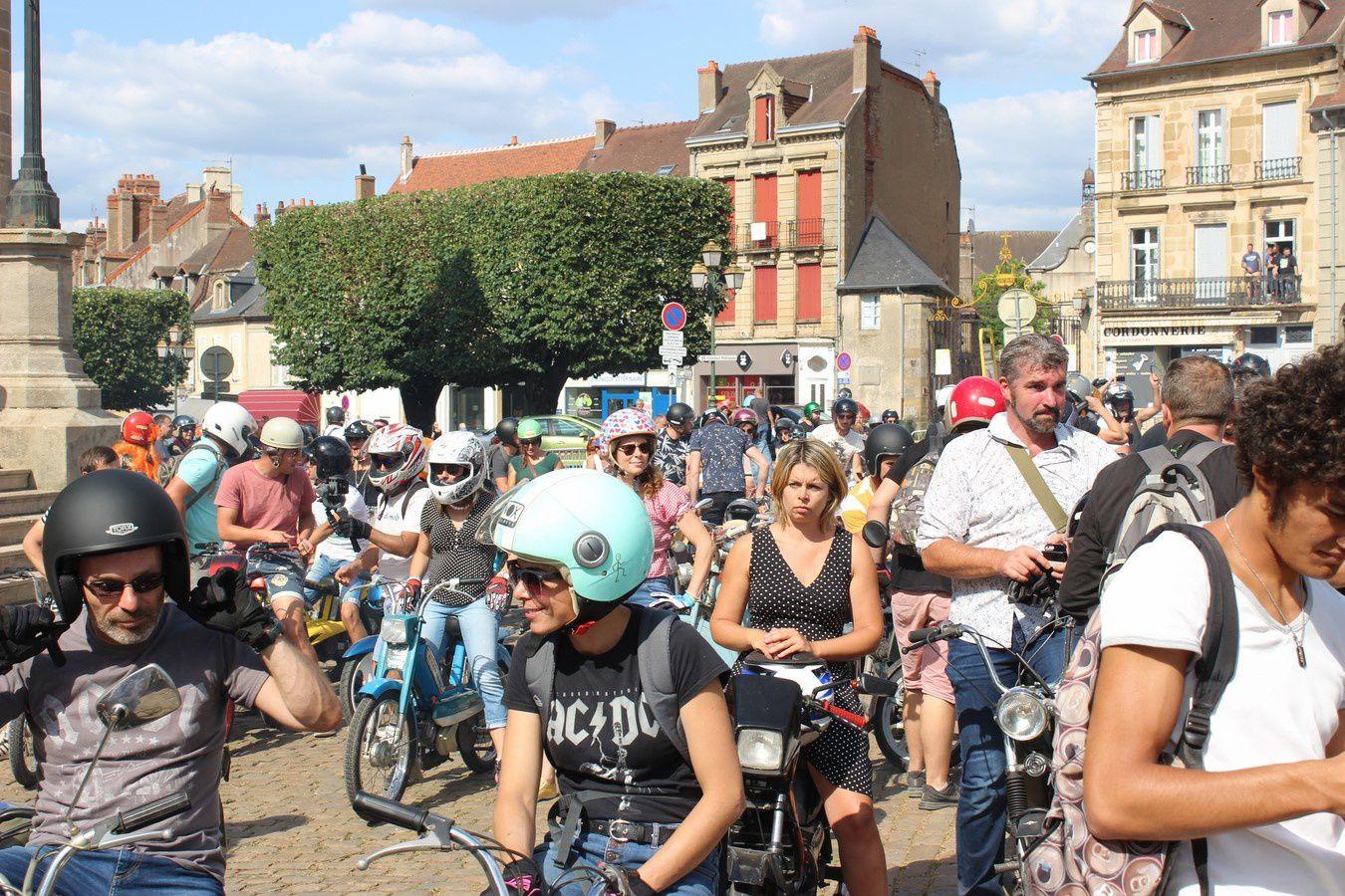 Place du Champ de Mars 71400 Autun. ¤¤¤ Quartier Croix-Verte/pont l'évêque ¤¤¤