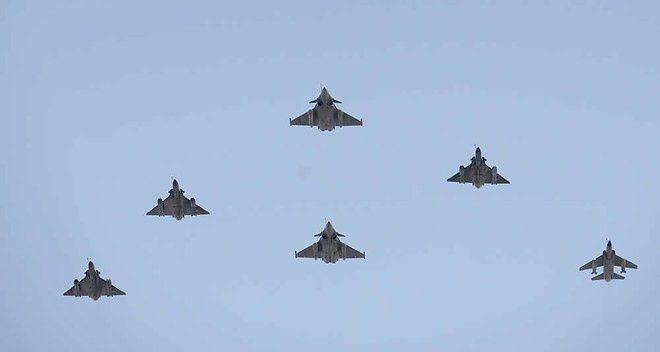 Etat islamique : la France renforce lourdement son dispositif militaire
