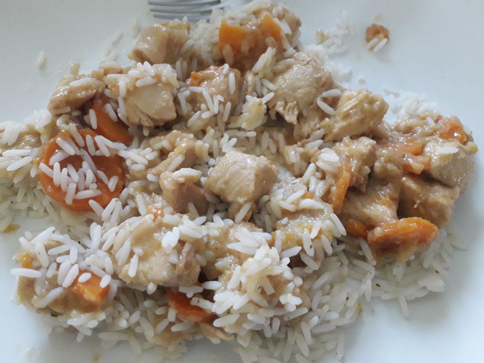 Sauté de poulet aux carottes et sauce soja