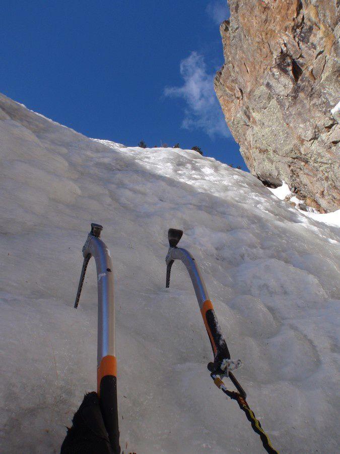 Entrecoupés de passages en glace plus ou moins raide.