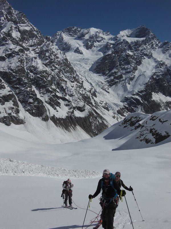 La montée au Dolakara au dessus d'un verrou glacière qui nous a nécessité un peu de bricolage pour ne pas s'exposer aux séracs..