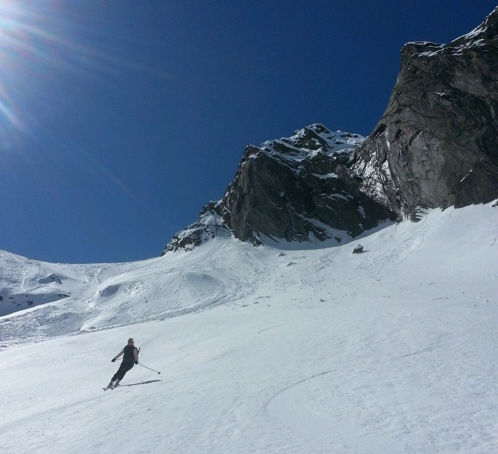 Un véritable bijoux que cette vallée de sauvage Scaradra pour cloturer ce merveilleux raid à ski.