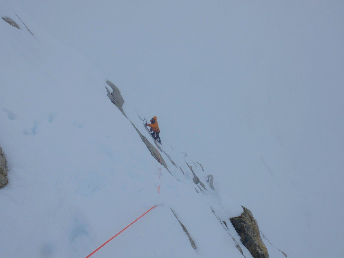 Muriel en finit avec les derniers mètres sous le sommet.