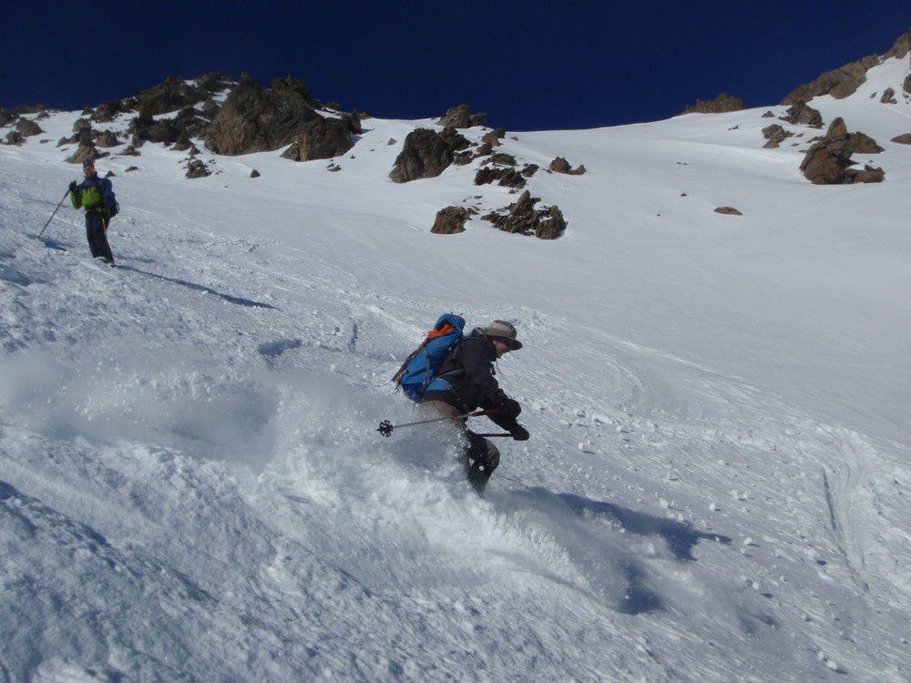 Et surprise le versant italien est encore en neige froide!
