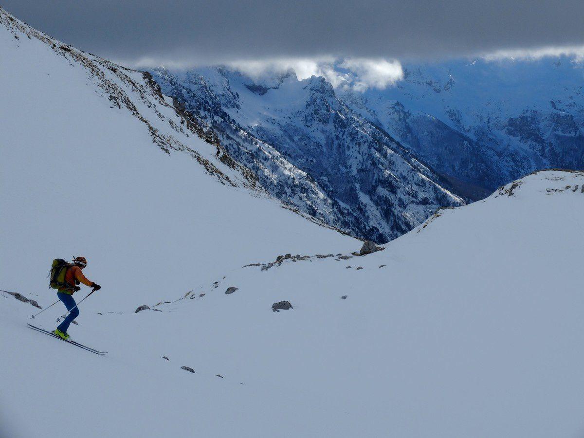 Après un petit temps d'adaptation au relief des dolines et à l'échelle des cartes, le ski est au rendez vous.