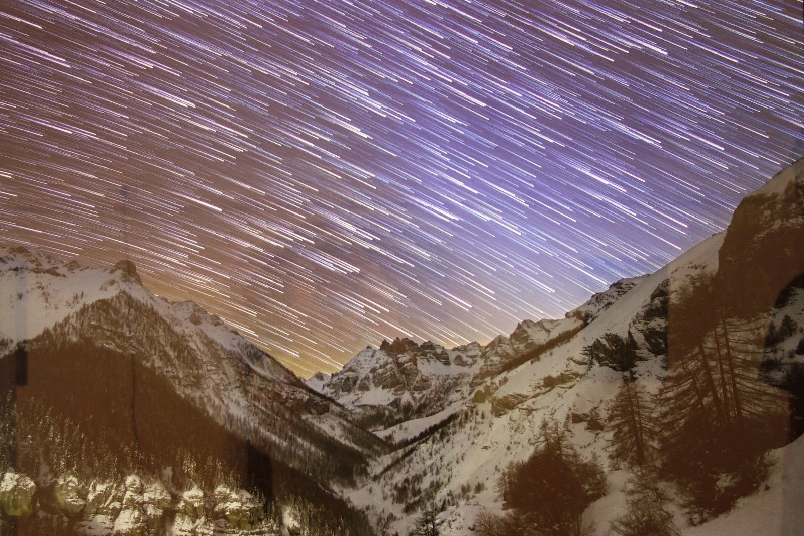 Et vous y découvrirez une exposition de photos de ciel étoilé du Mercantour d'un spécialiste de la discipline : Anthony Turpaud. Bonne été à tous.
