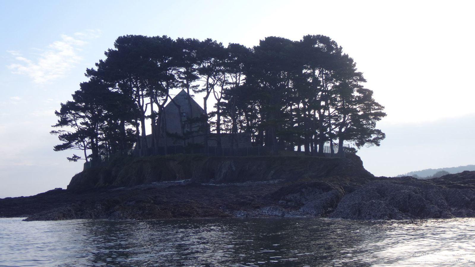 Les 12 îles de la rade de Brest