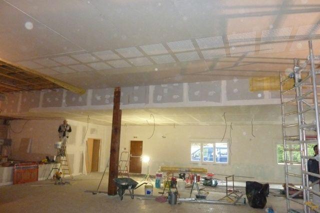 On peut déjà imaginer ce que sera la salle rénovée.