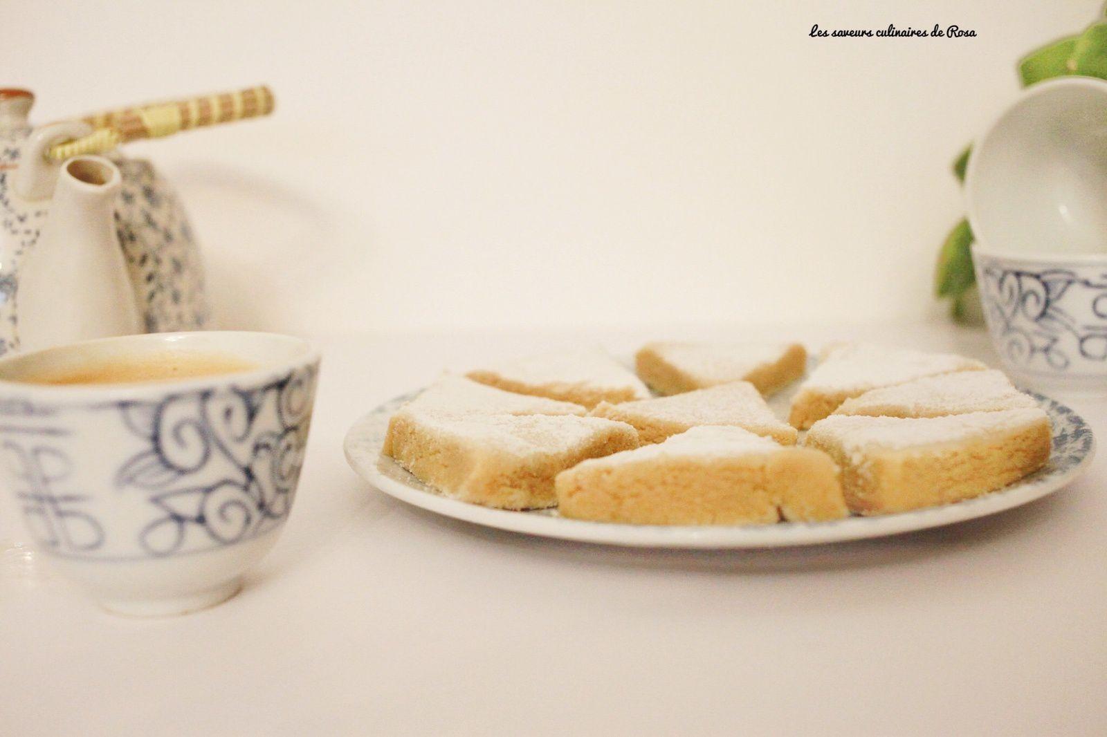 Taminat lahda ( douceurs à la poudre de lait)