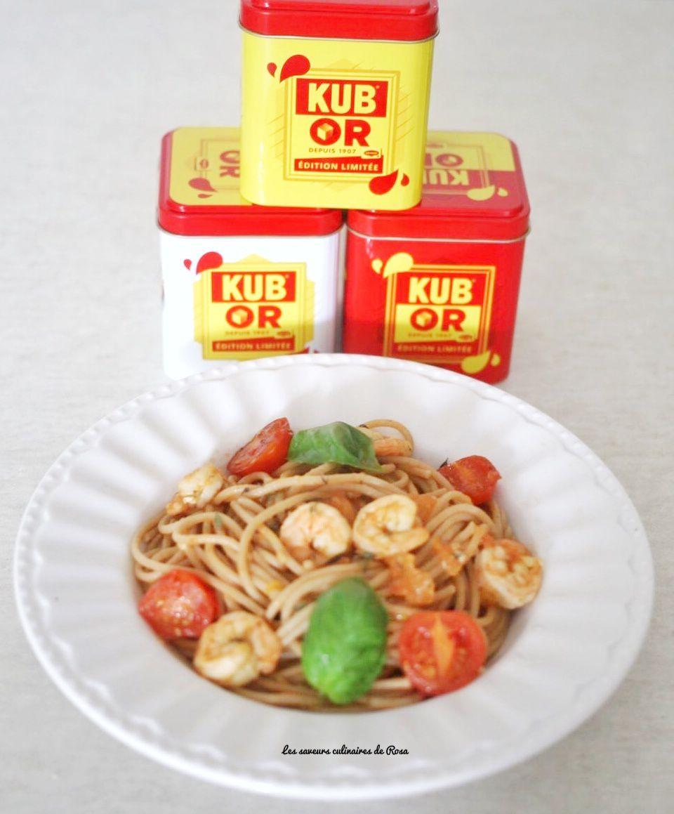 Spaghetti au blé complet, crevettes, tomates fraîches et basilic