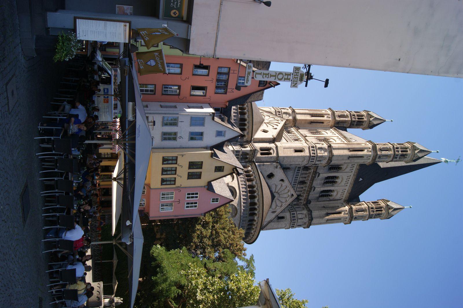 Vieilles maisons colorées dans la ville de Cologne Allemagne
