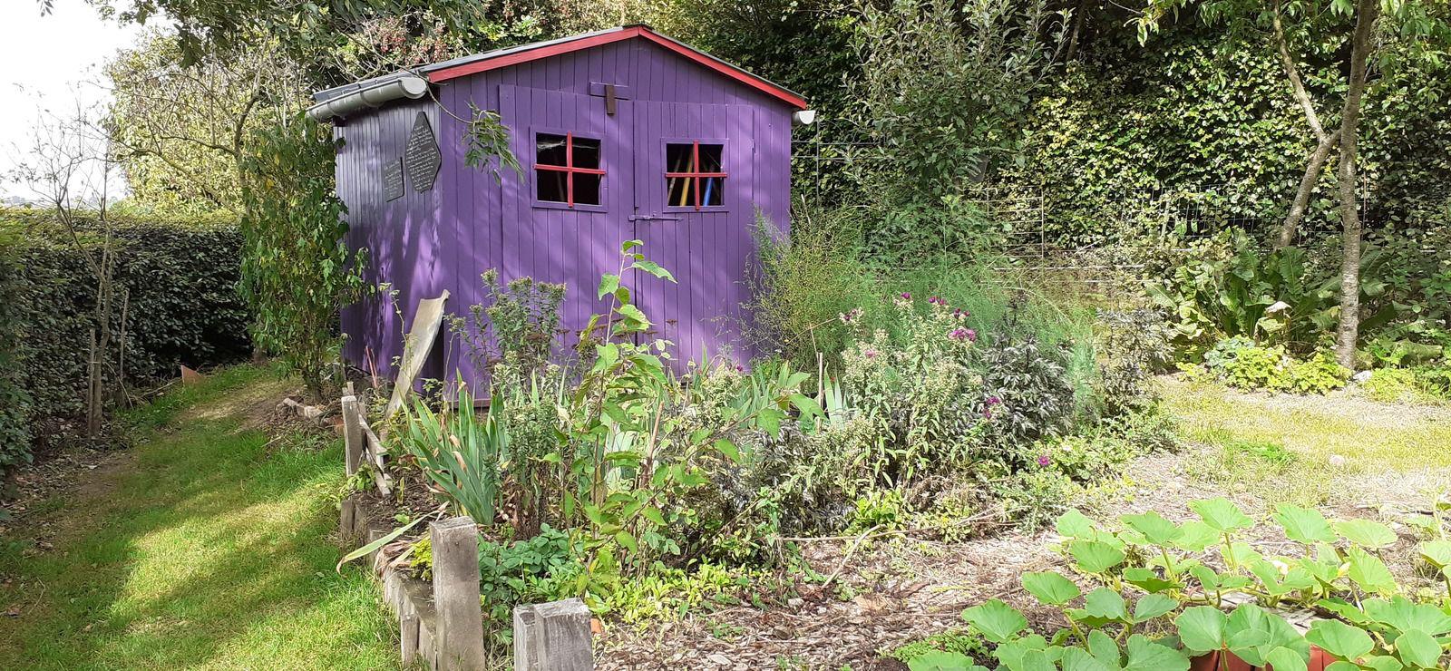 Elle a pris des couleurs la cabane du jardin des fruitiers, à bientôt