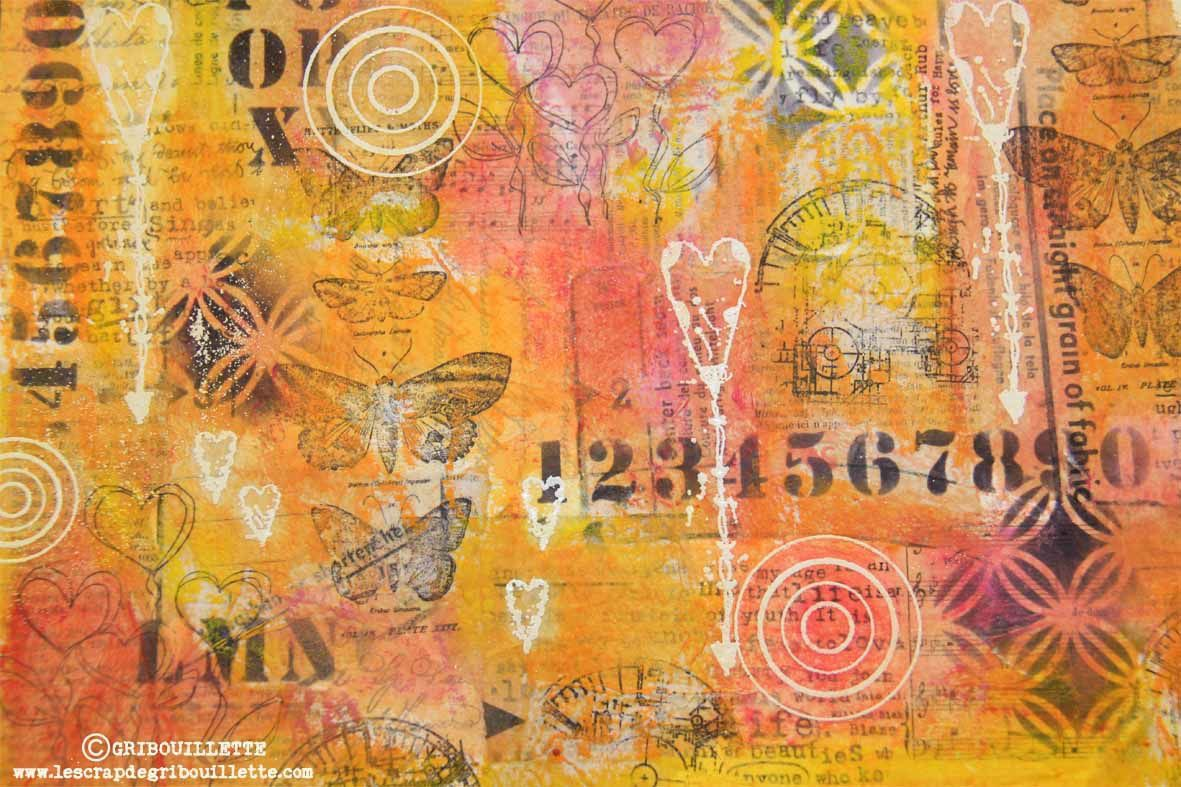 Mixed-Media#Fond en collage papiers#Tampons et Pochoirs#Mise en couleurs#Embossage