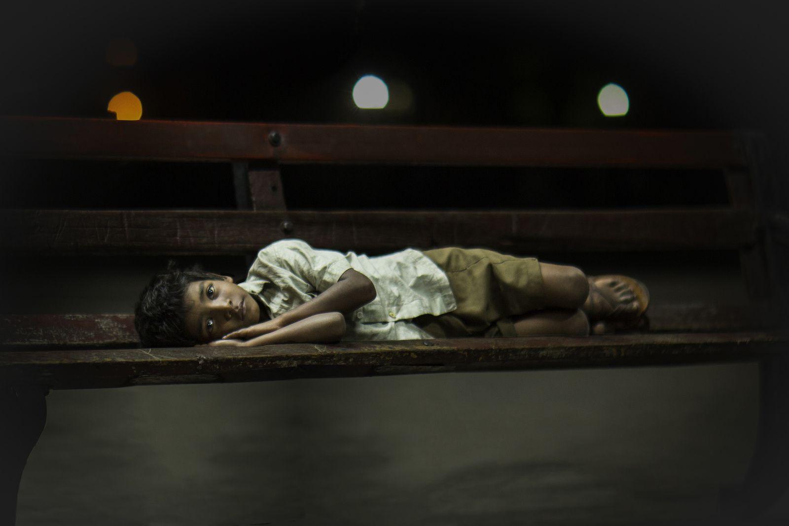 LION (BANDE ANNONCE VF et VOST) avec Dev Patel, Rooney Mara, Nicole Kidman - Le 22 février 2017 au cinéma
