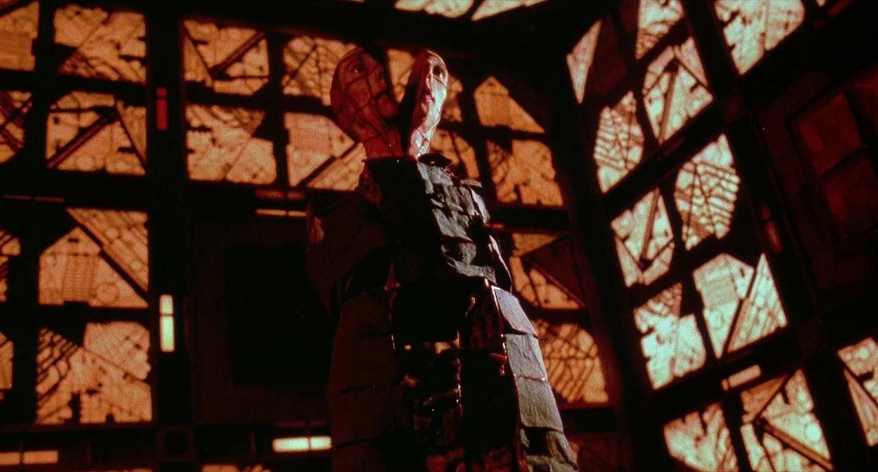 Cube (BANDE ANNONCE VF et VOST 1999) de Vincenzo Natali avec Maurice Dean Wint, Nicole de Boer, Nicky Guadagni