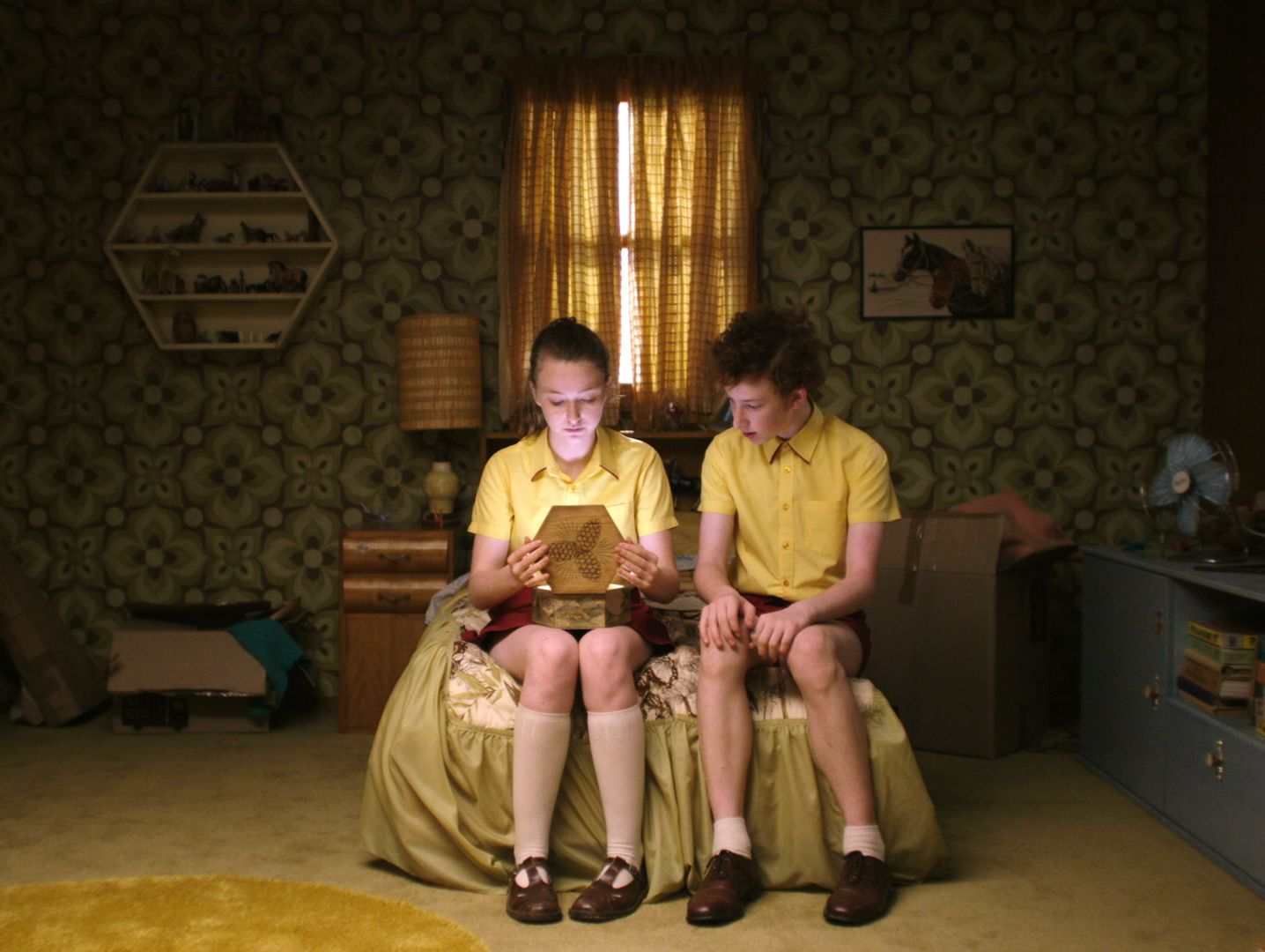 Fantastic Birthday (Girl Asleep) (BANDE ANNONCE) avec Bethany Whitmore, Eamon Farren - Le 22 mars 2017 au cinéma