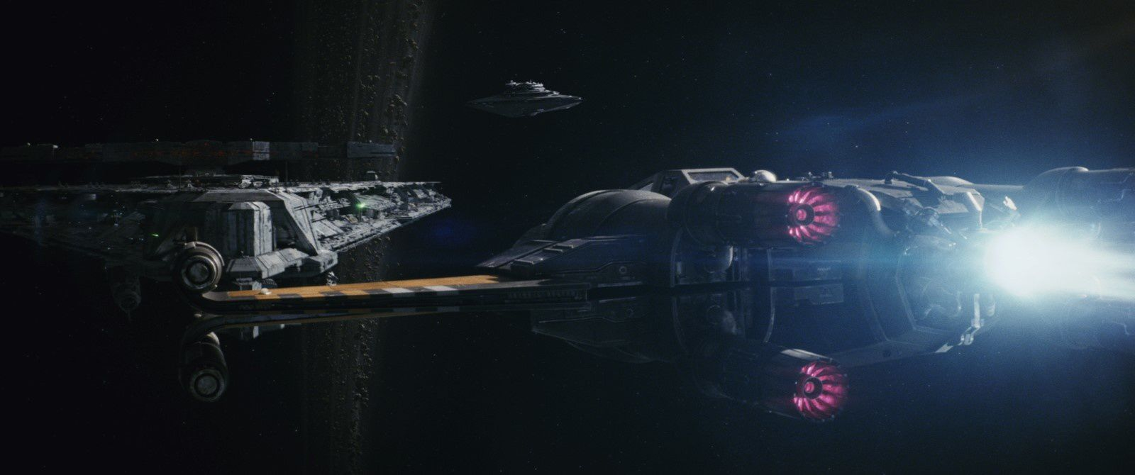 Star Wars - Les Derniers Jedi (BANDE ANNONCE) avec Daisy Ridley, John Boyega, Mark Hamill - Le 13 décembre 2017 au cinéma