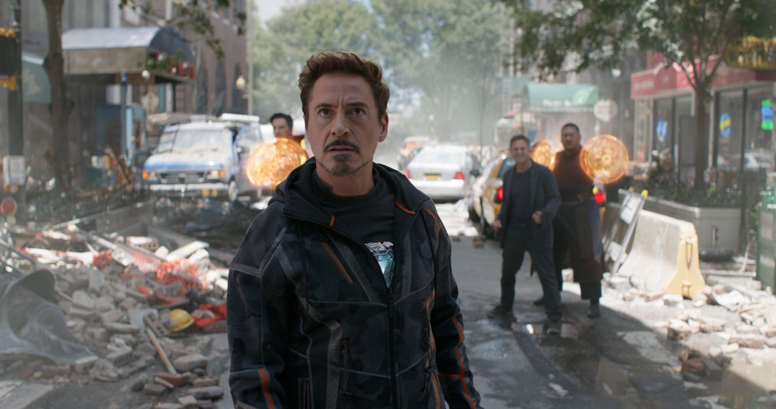 Avengers : Infinity War (BANDE-ANNONCE) avec Robert Downey Jr., Chris Hemsworth, Mark Ruffalo - Le 25 avril 2018 au cinéma