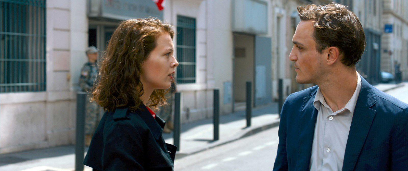 Transit (BANDE-ANNONCE) de Christian Petzold avec Jean-Pierre Darroussin - Le 25 avril 2018 au cinéma