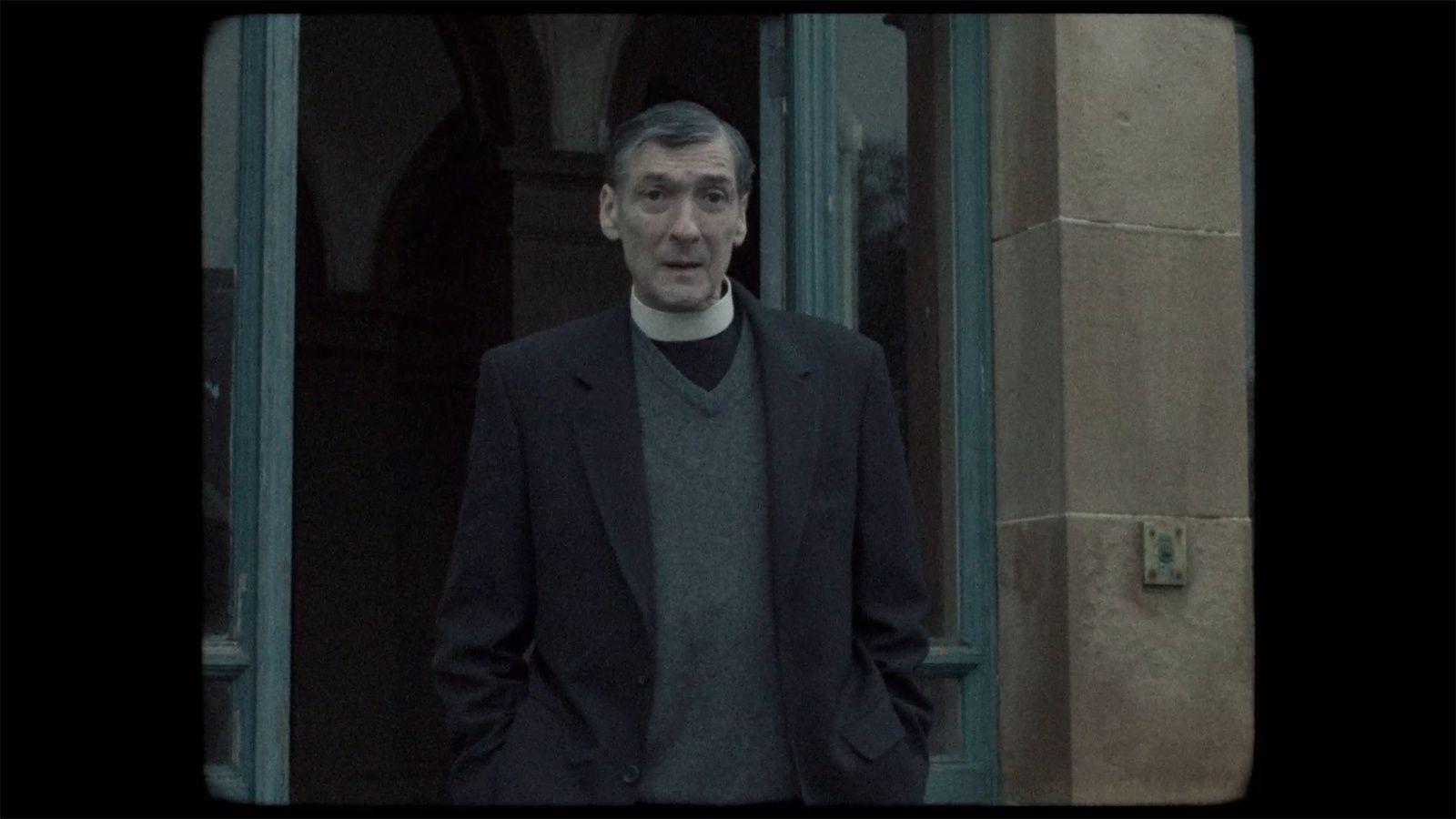 The Devil's Doorway (BANDE-ANNONCE VO) avec Lalor Roddy, Ciaran Flynn, Helena Bereen