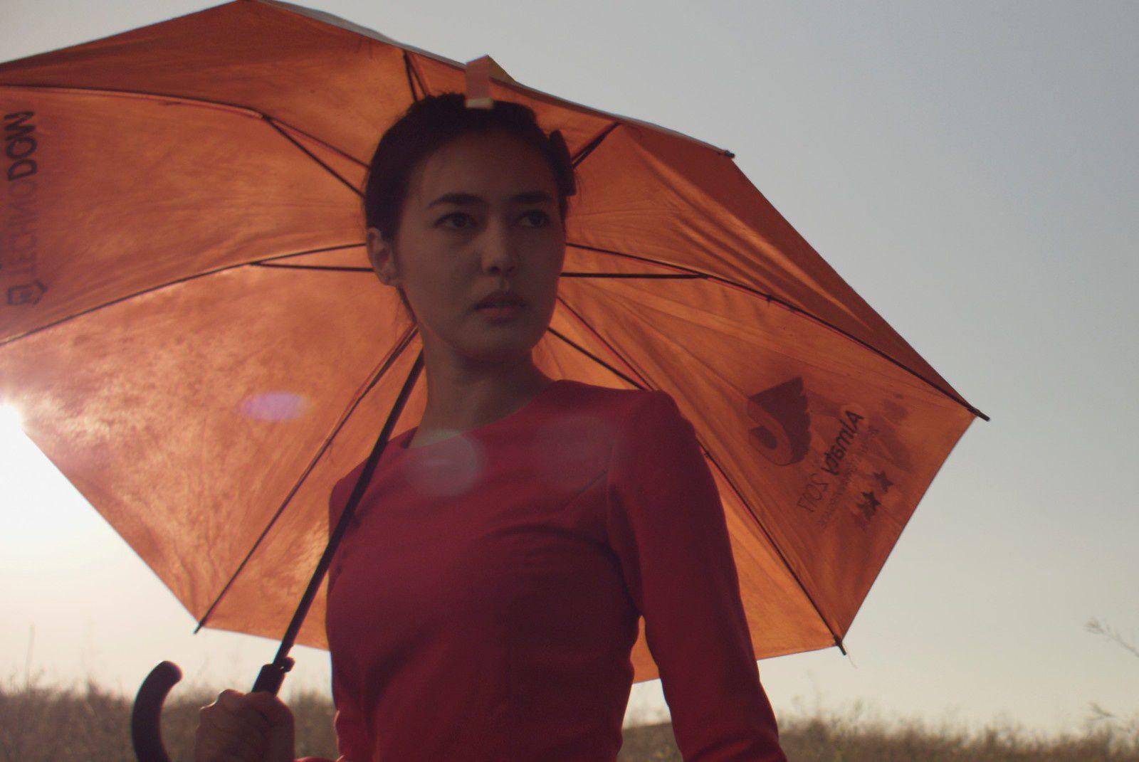 La tendre indifférence du monde (BANDE-ANNONCE) de Adilkhan Yerzhanov - Le 24 octobre 2018 au cinéma