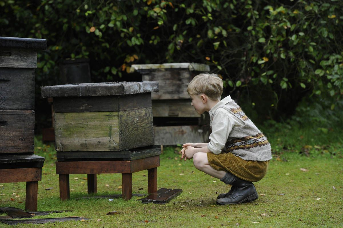 Tell it to the bees (BANDE-ANNONCE) avec Anna Paquin, Holliday Grainger, Gregor Selkirk