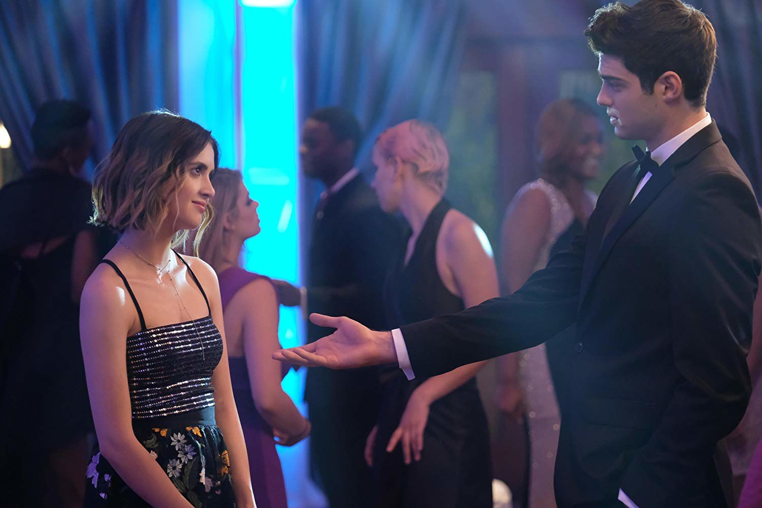The Perfect Date (BANDE-ANNONCE) avec Laura Marano, Noah Centineo, Camila Mendes - Le 12 avril 2019 sur Netflix