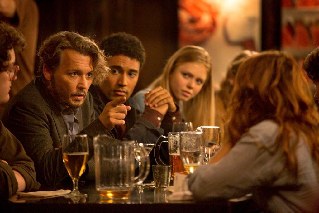 The Professor (BANDE-ANNONCE) avec Johnny Depp, Zoey Deutch, Rosemarie DeWitt