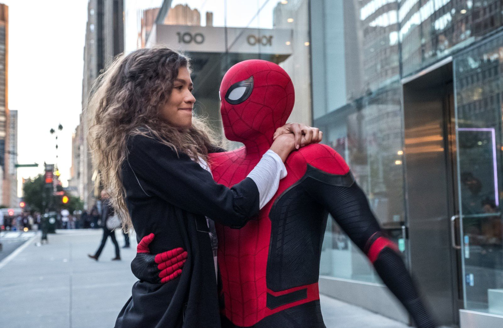 Spider-Man : Far From Home (BANDE-ANNONCE) avec Tom Holland, Zendaya, Marisa Tomei, Jake Gyllenhaal - Le 3 juillet 2019 au cinéma