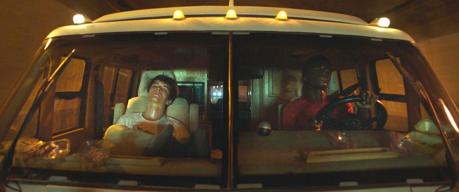 Roads (BANDE-ANNONCE) avec Stéphane Bak, Fionn Whitehead - Le 17 juillet 2019 au cinéma