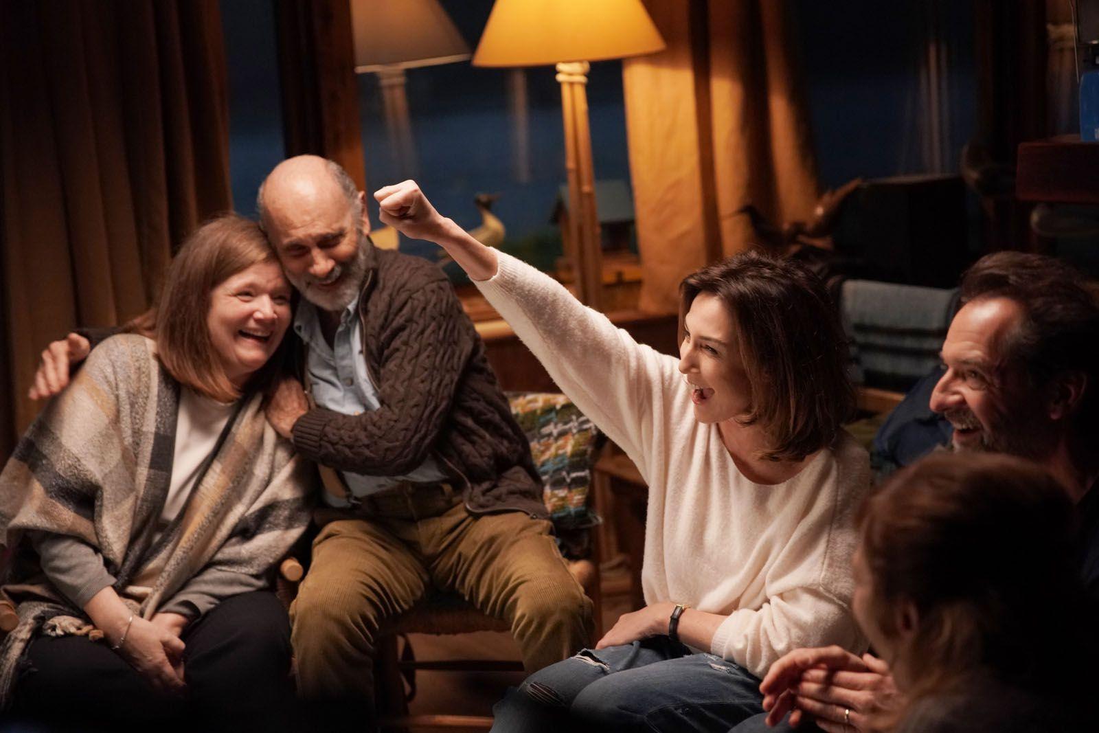 Tout nous sourit (BANDE-ANNONCE) avec Elsa Zylberstein, Stéphane De Groodt, Anne Benoit
