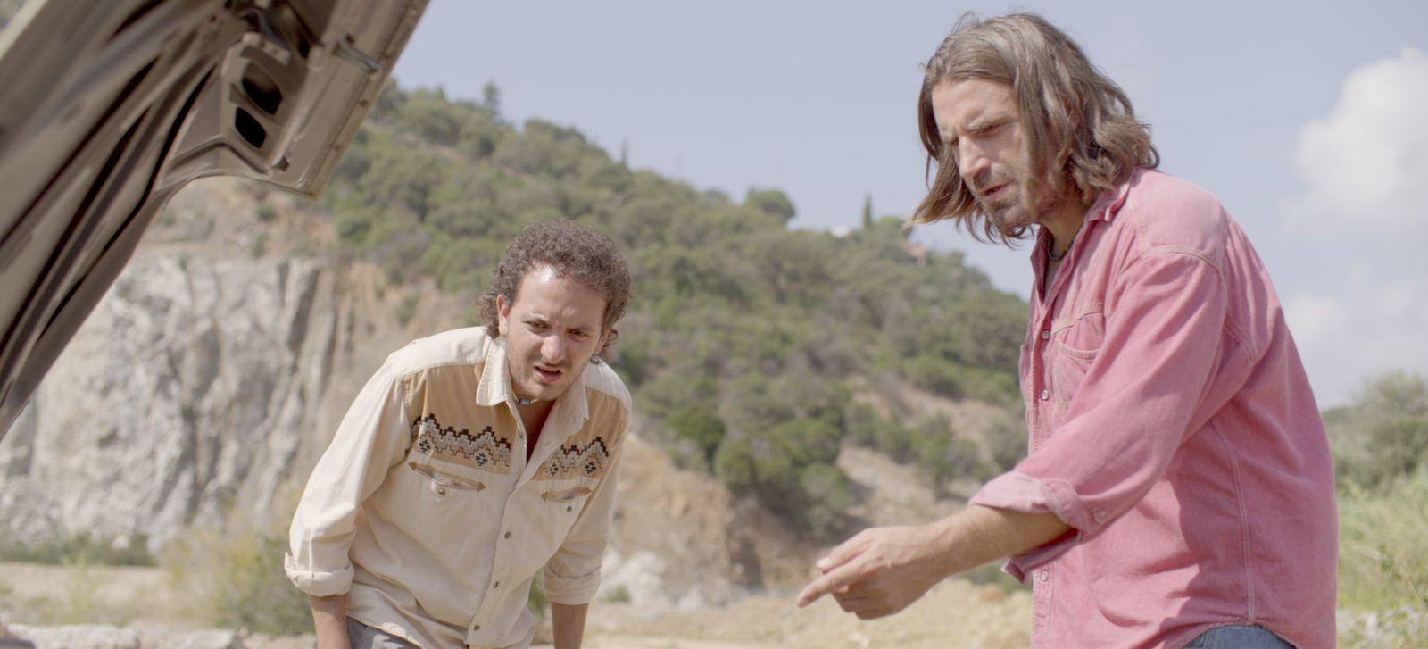 Mandibules (TEASER) de Quentin Dupieux avec David Marsais, Grégoire Ludig, Adèle Exarchopoulos - Le 2 décembre 2020 au cinéma