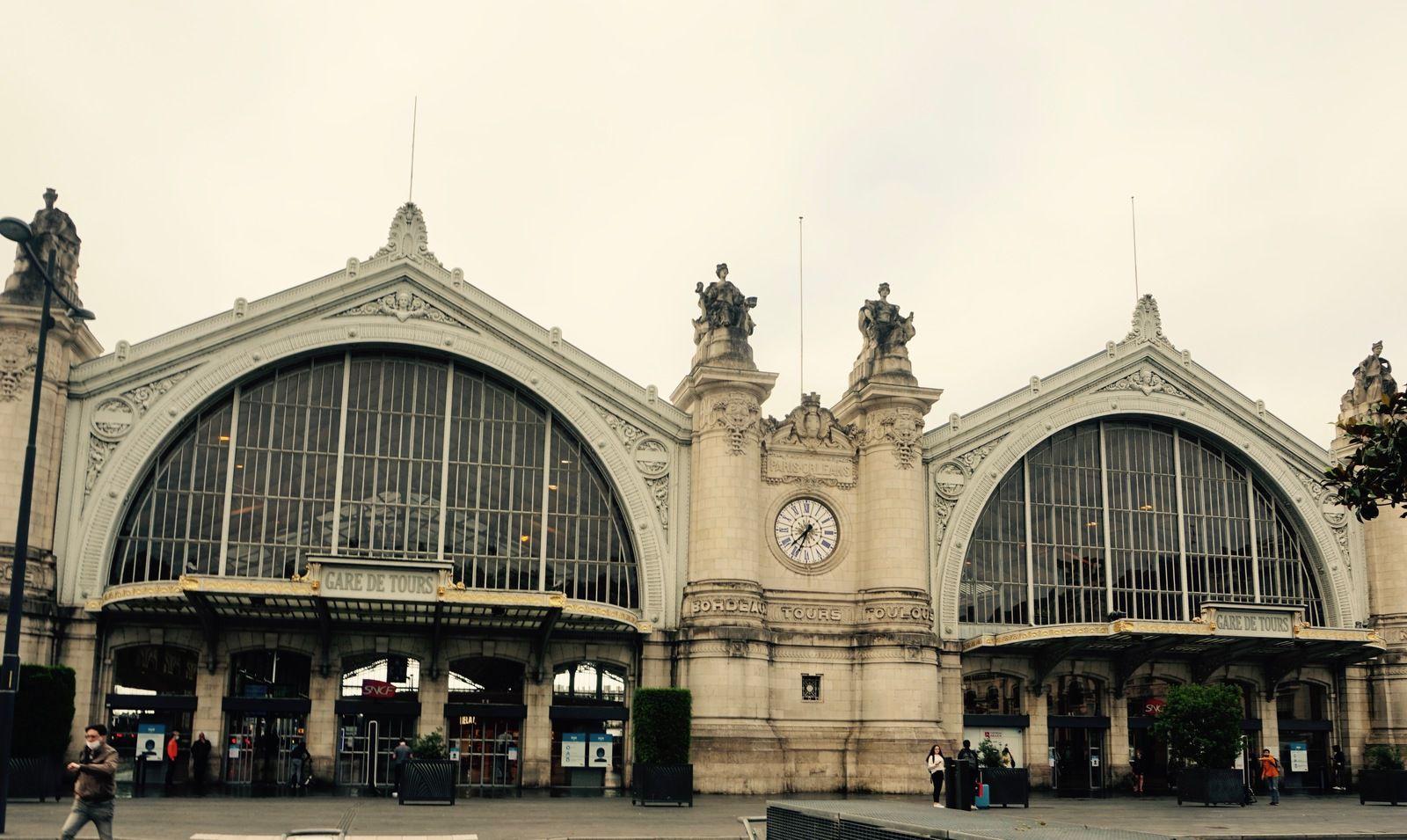 La gare de Tours, une des plus belles de France.