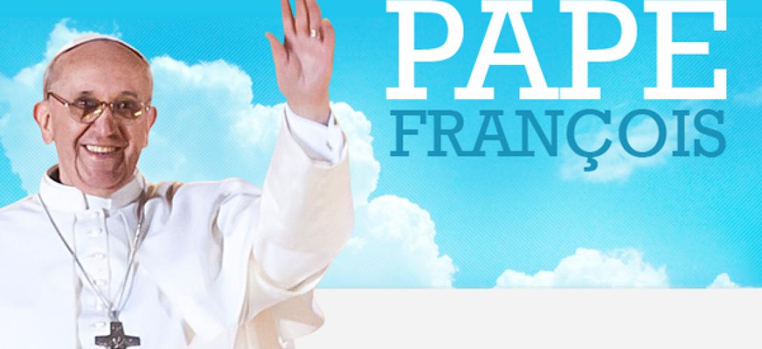 Le pape François rentre au Vatican avec douze réfugiés syriens