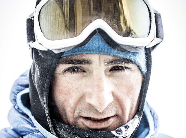 Bagarre sur l'Everest: Ueli Steck raconte
