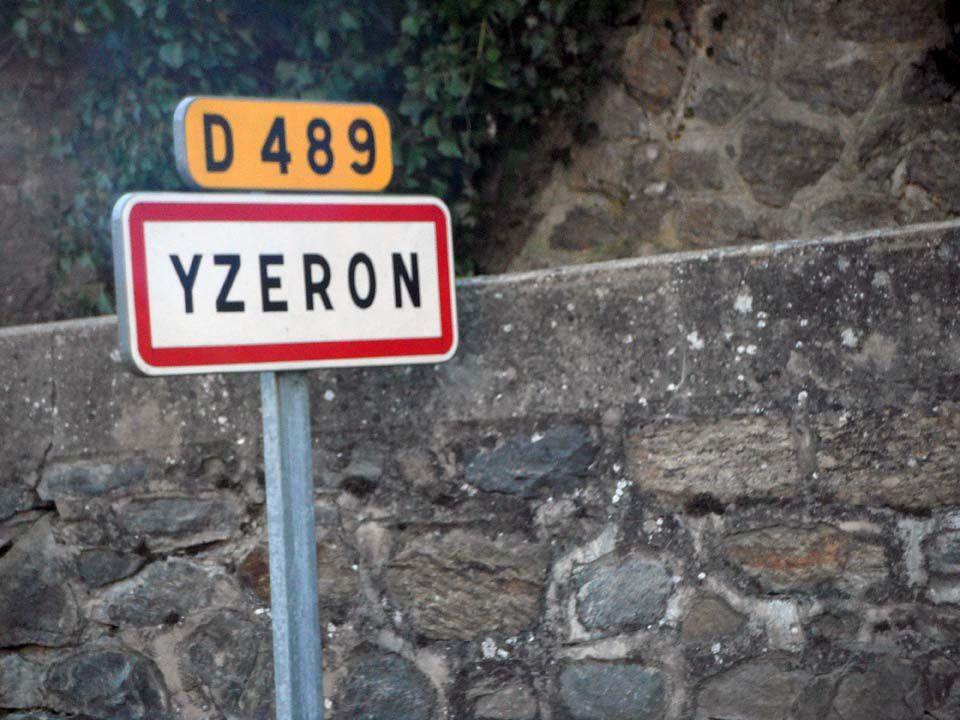 Yzeron - Rochers de Py Froid