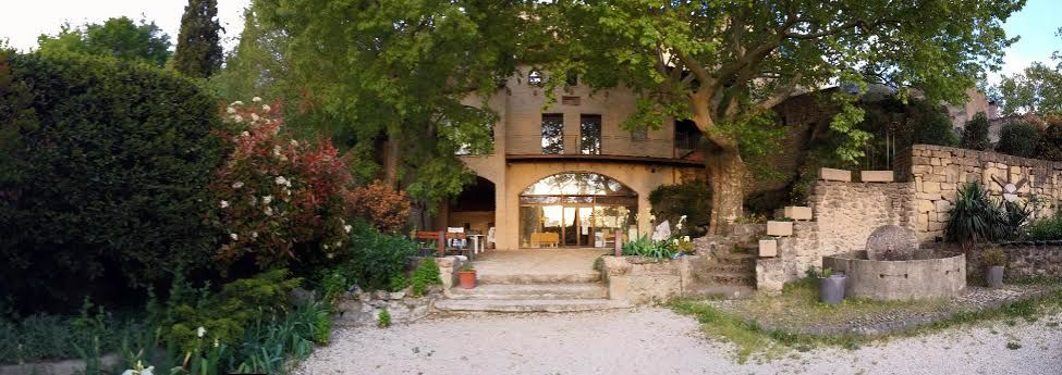 best rental place in Lauris, Provence