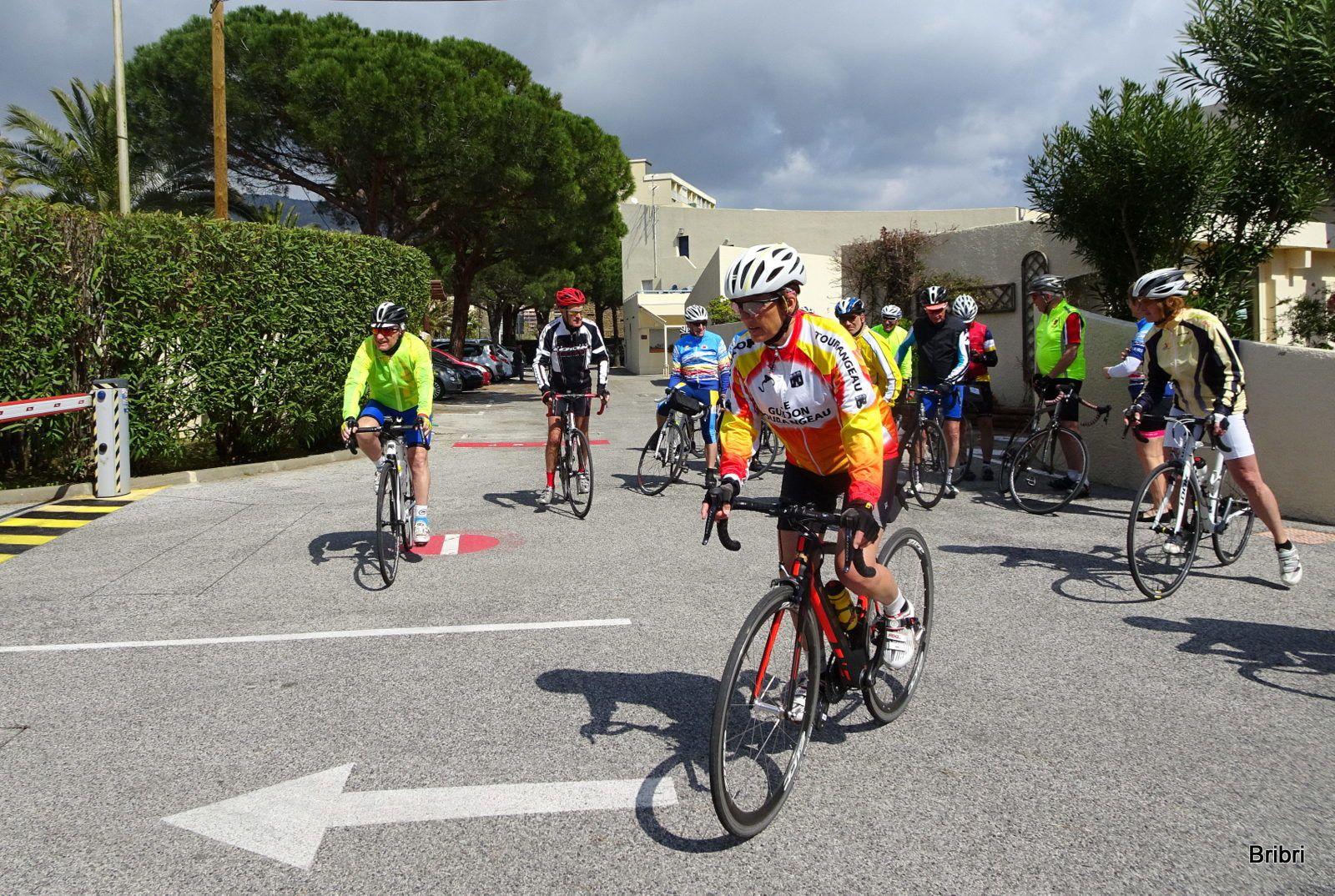 Les cyclistes sont rentrés déjeuner et repartent à 14h.