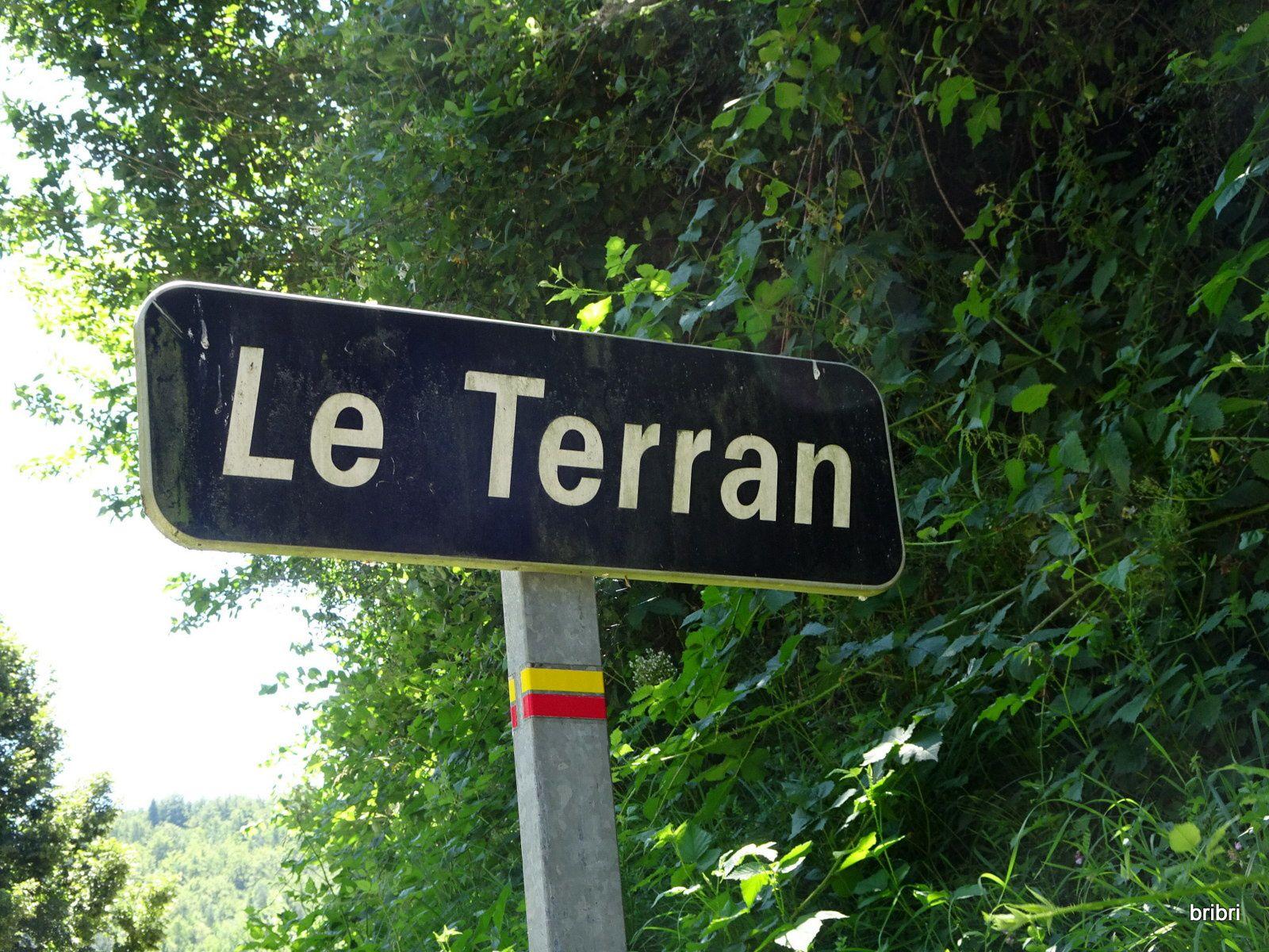 Nous descendons sur le Terran pendant 2,5 km.