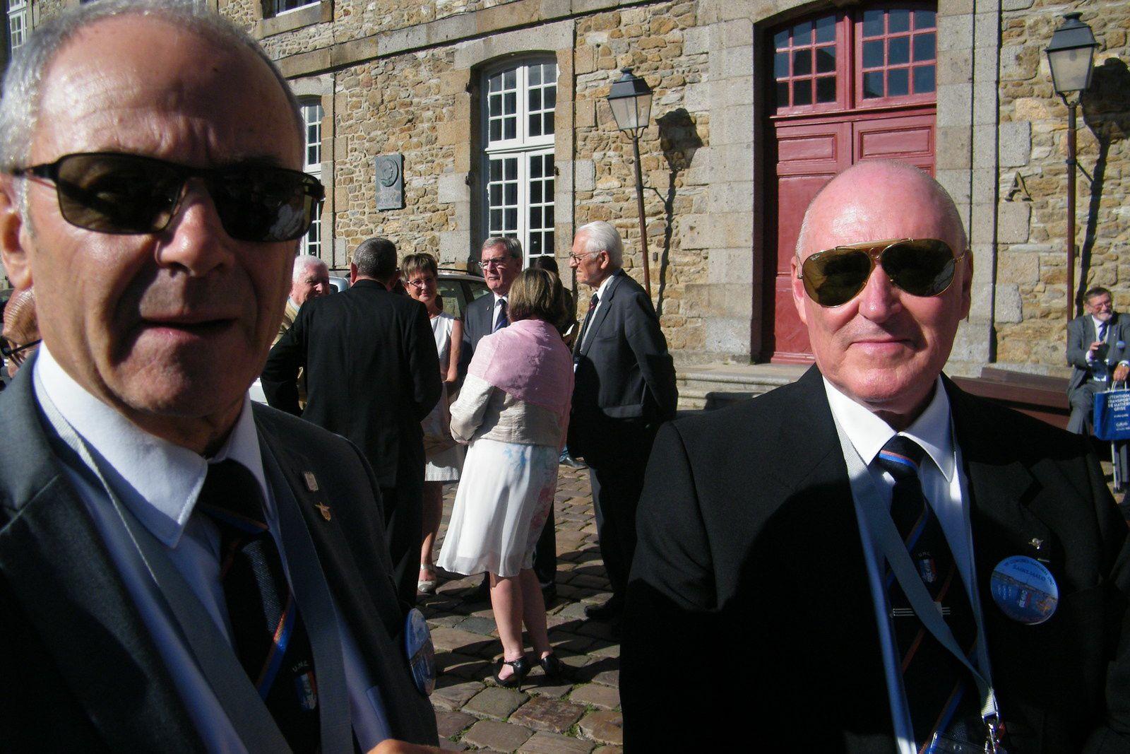 Les photos de notre secrétaire administrative qui a accueilli avec le sourire comme toujours et un grand professionnalisme les Congressistes au Quai Saint-Malo.