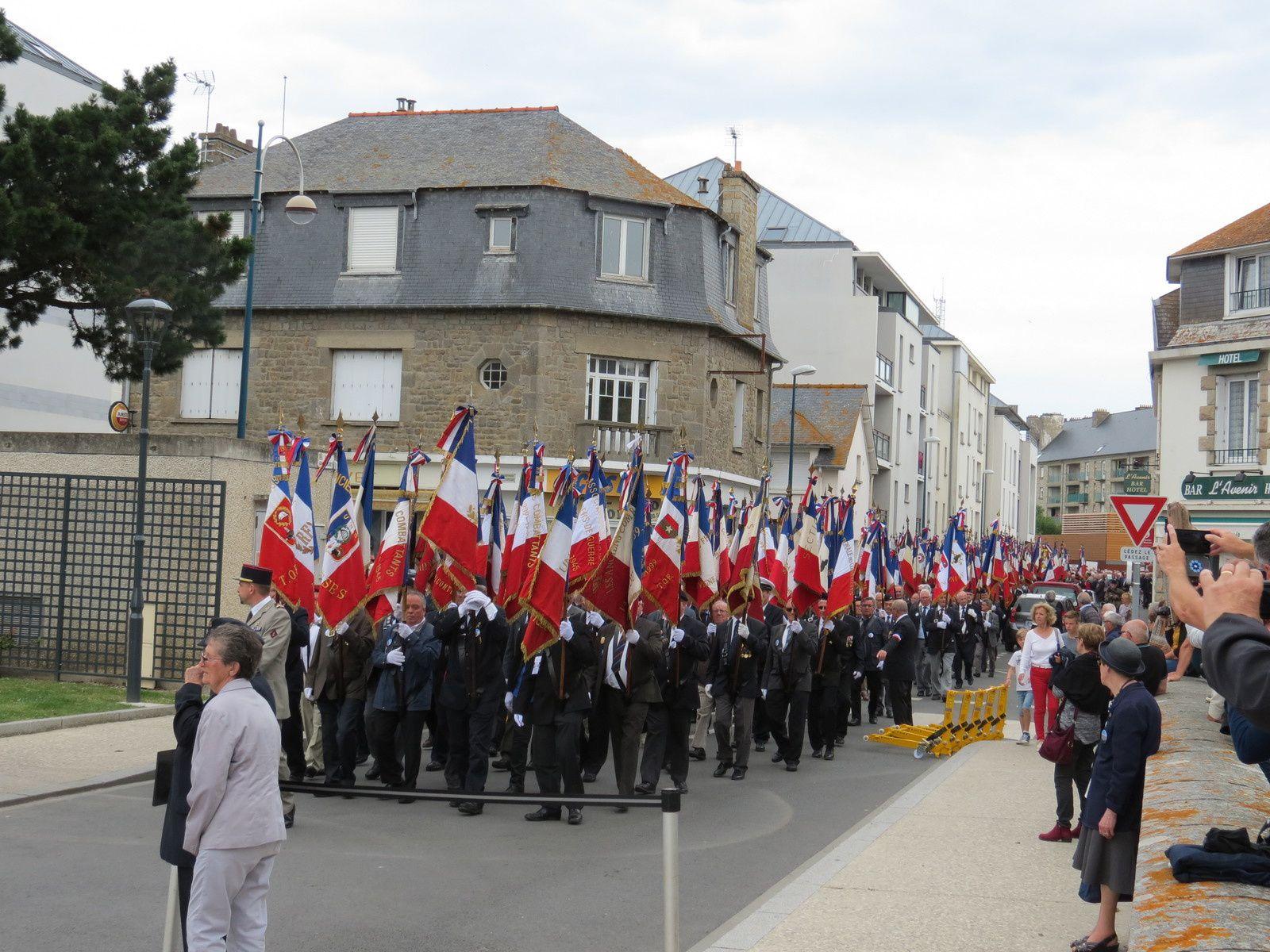 Pour ceux qui n'ont pu participer à la descente de la Rance et la visite de Dinan voici les photos de Jean-François L. de l'UNC33
