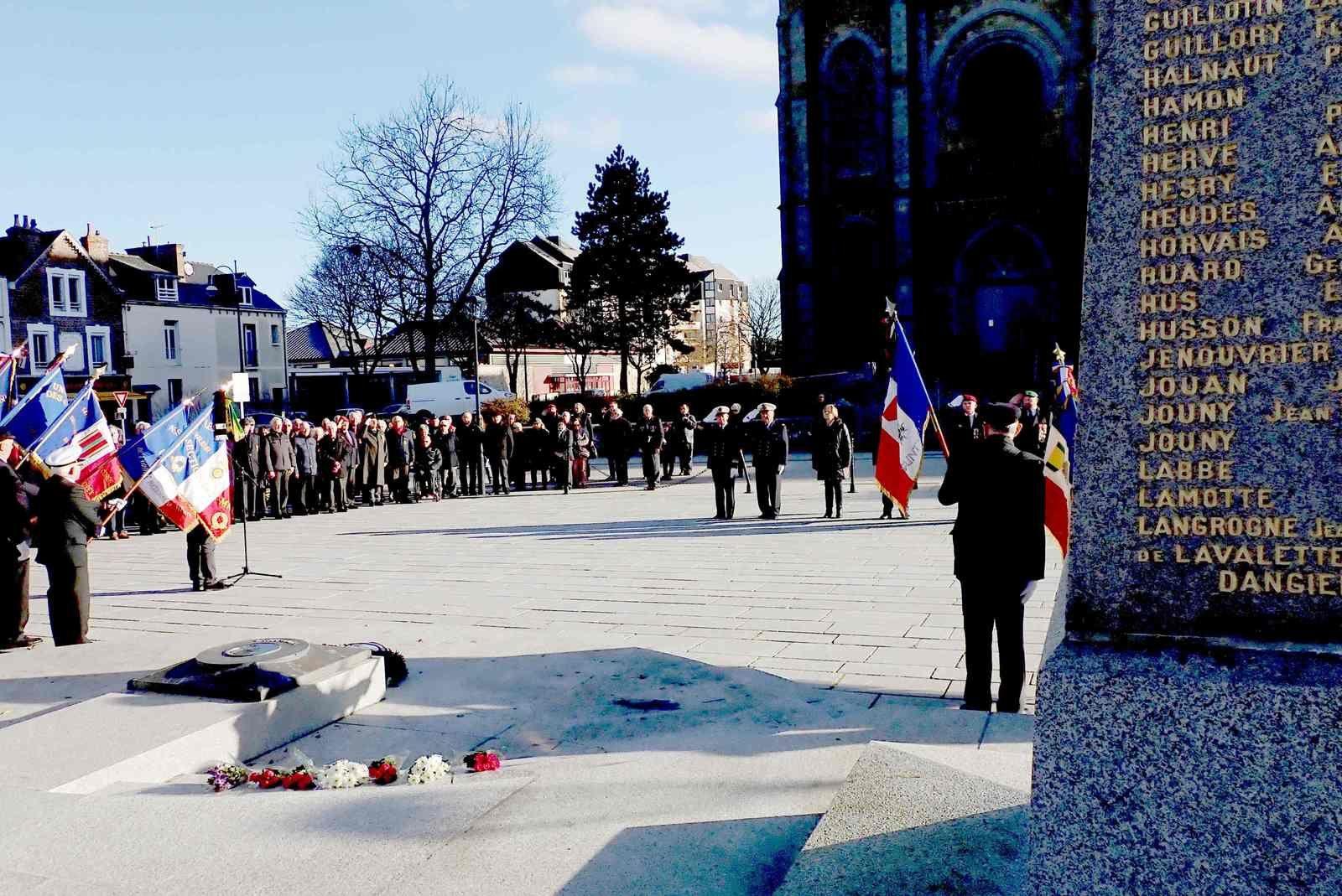 """""""Hommage aux 13 militaires français morts au Mali"""""""