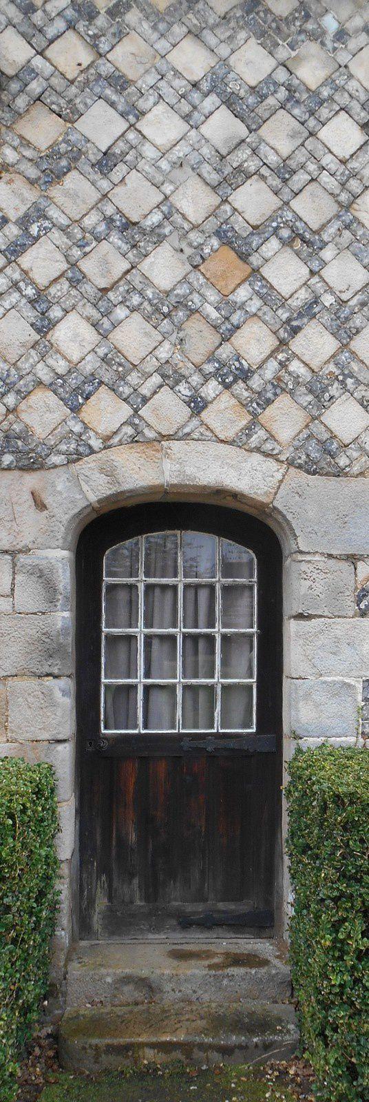 mosaïque de silex taillé, pierre de Seine - Manoir d'Ango 005