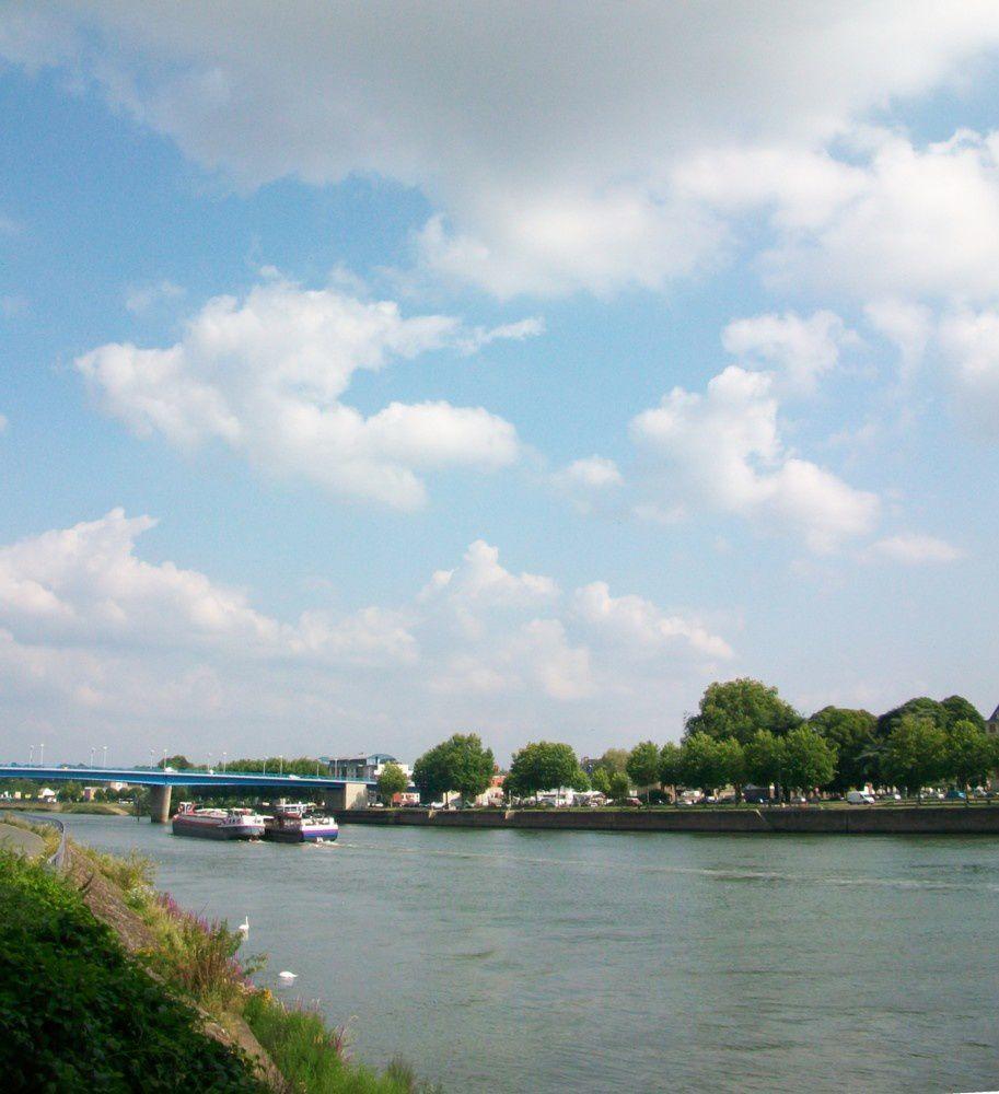 sur l'autre rive: Elbeuf-sur-Seine