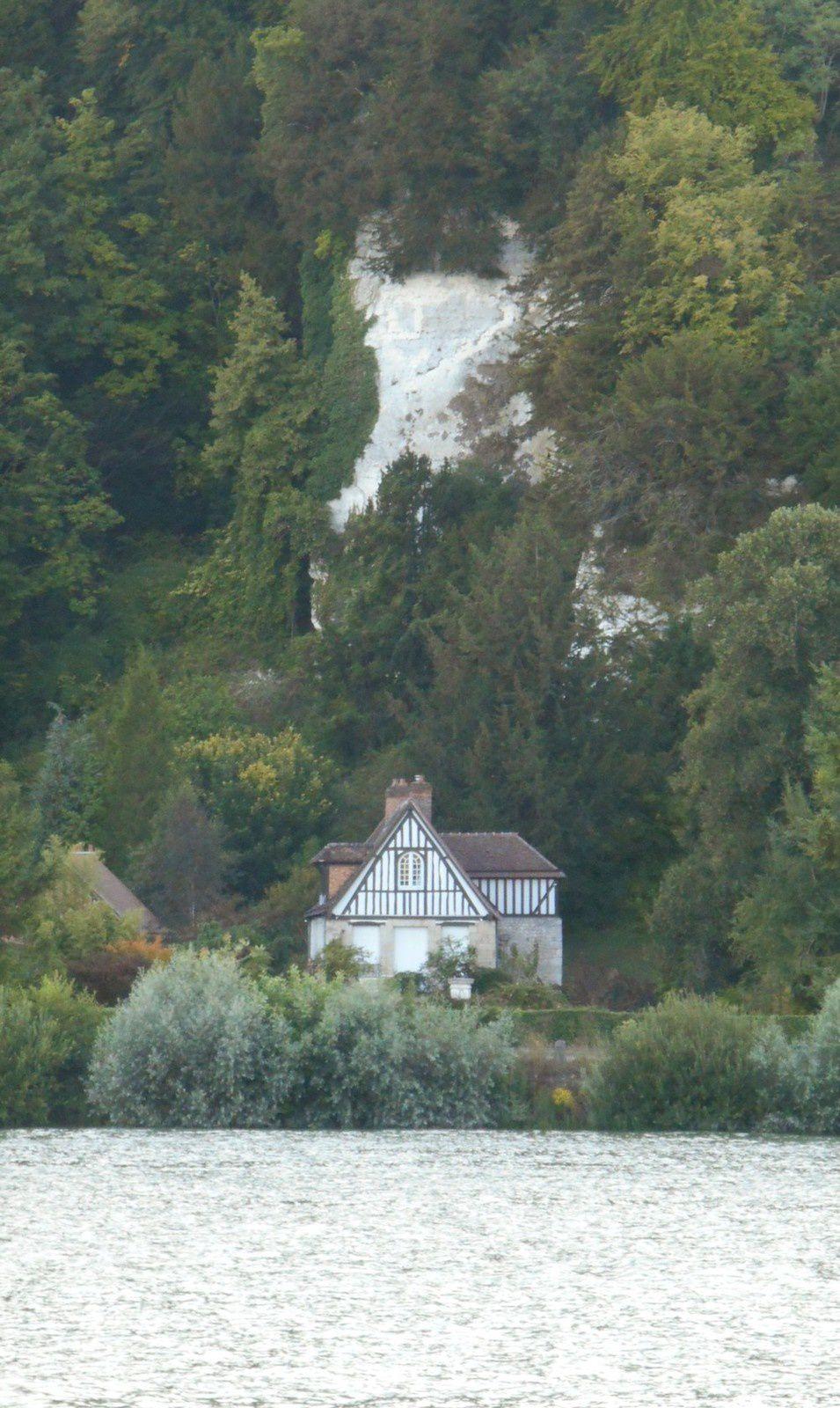 maison sous le coteau à Caumont