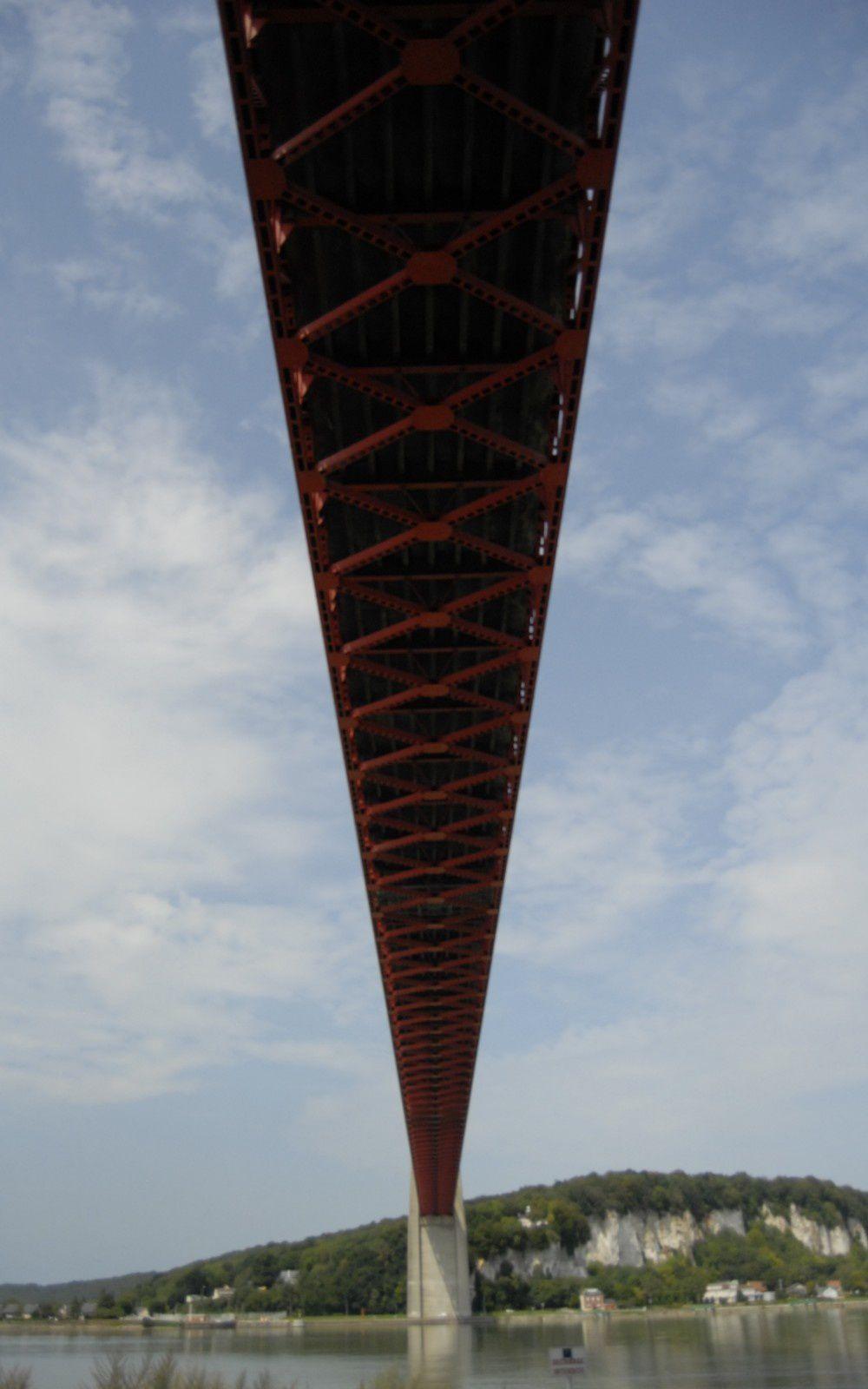 sous le pont de Tancarville, rive gauche