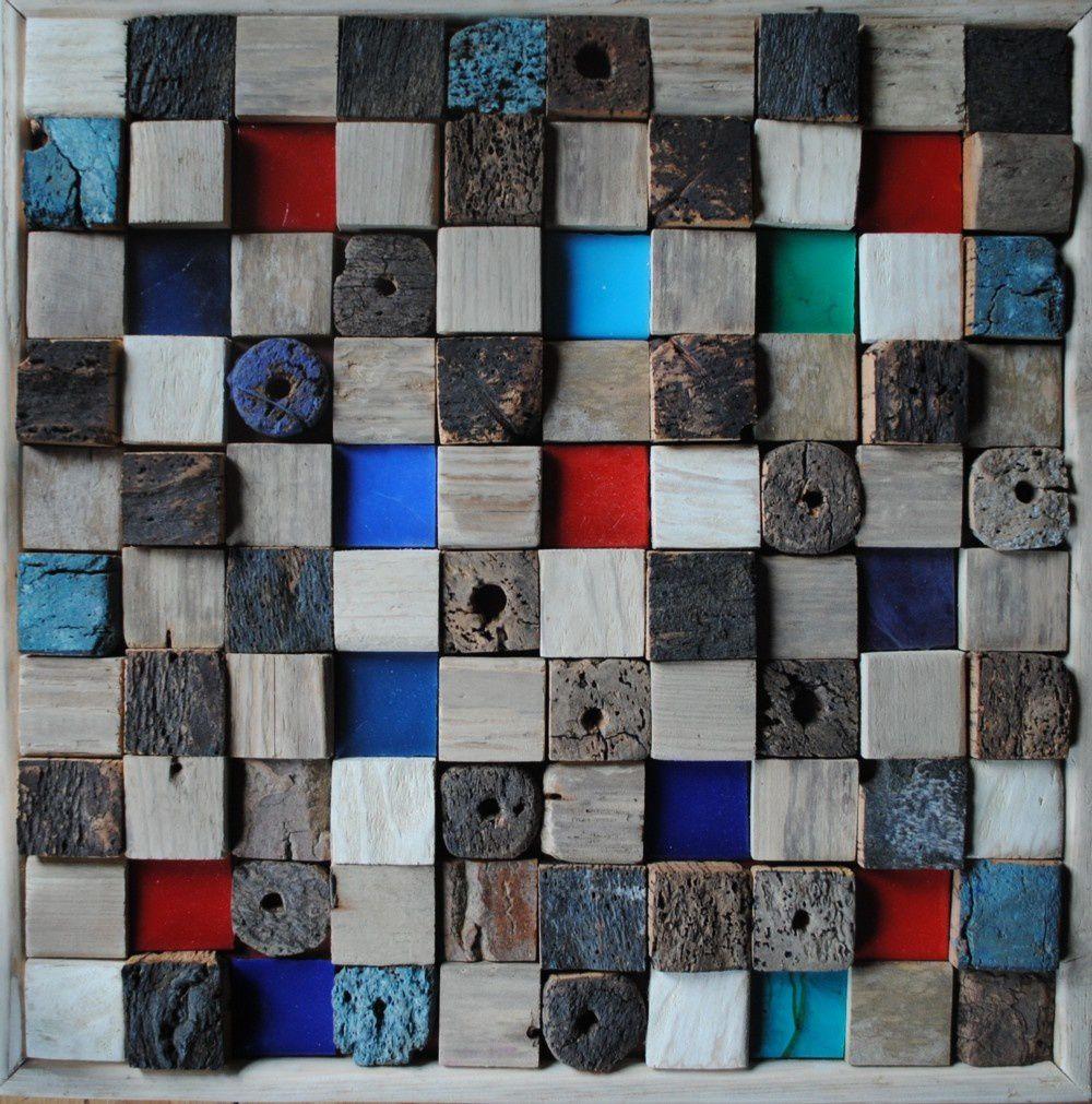 l'assemblage est une mosaïque de matières