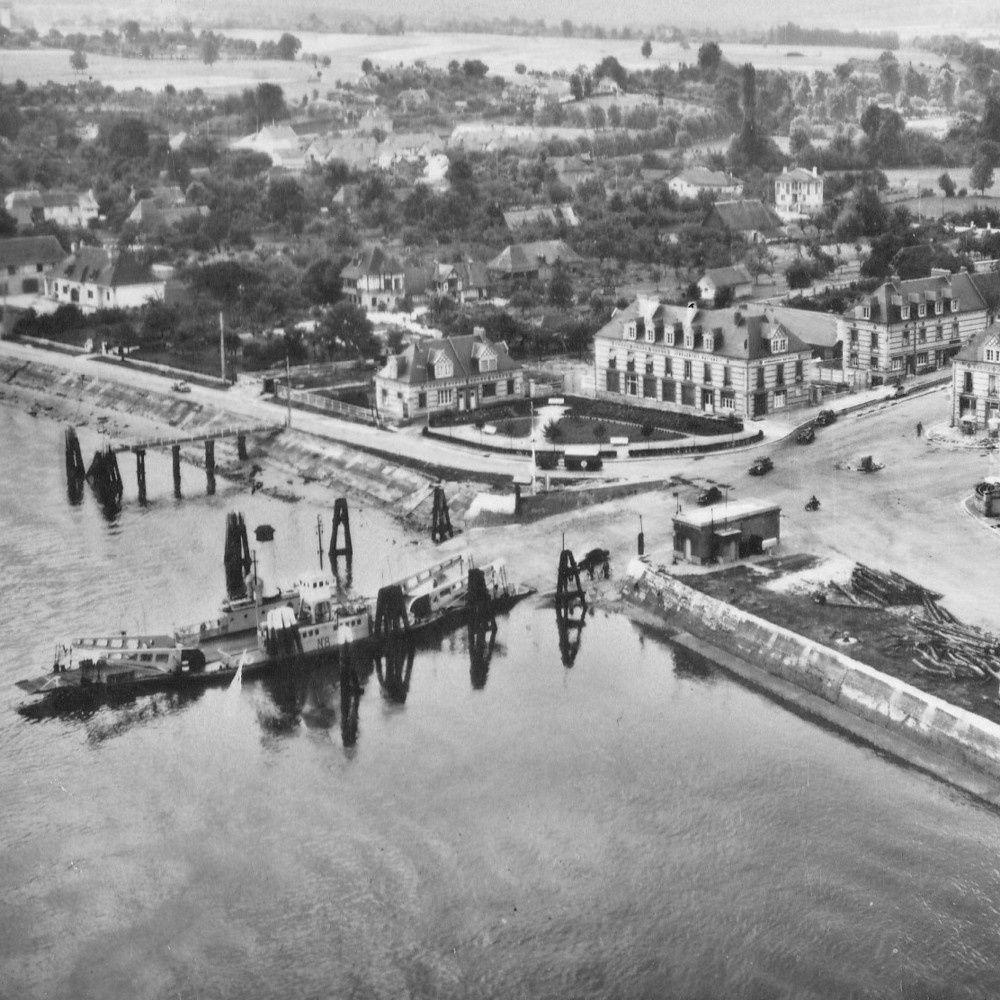 Le bac avant l'ouverture du Pont de Brotonne